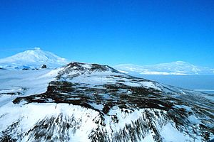 Mount Terror (Antarctica) - Mount Terror (right) and Mount Erebus (left) seen from the Hut Point Peninsula on Ross Island
