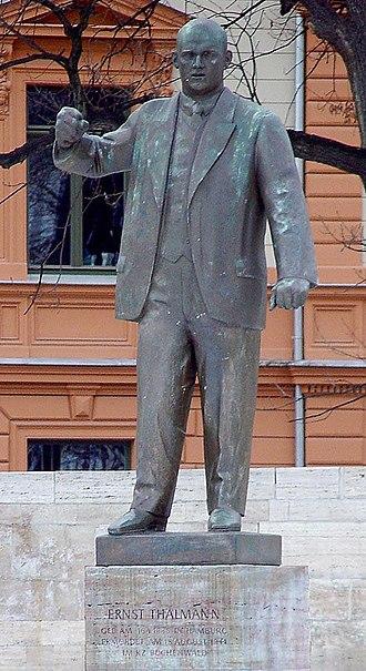 Ernst Thälmann - Ernst Thälmann statue in Weimar.