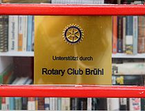 Erster offener Brühler Bücherschrank D.jpg