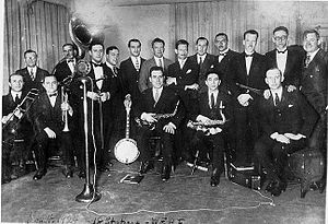 The Eveready Hour - The Eveready Hours election night broadcast from WEAF to 18 stations on November 4, 1924: Will Rogers (far right), Art Gillham, Wendell Hall, Carson Robison, Eveready Quartet, Graham McNamee and the Waldorf-Astoria Dance Orchestra.