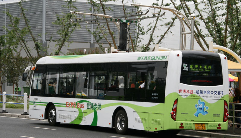 Datei:Expo 2010 Electric Bus.jpg