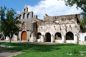 Acatlán, Hidalgo - View of the church and former monastery