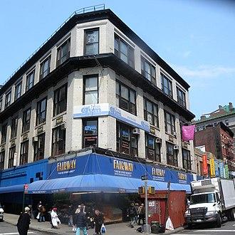 Fairway Market - Fairway's original store at Broadway and West 74th Street