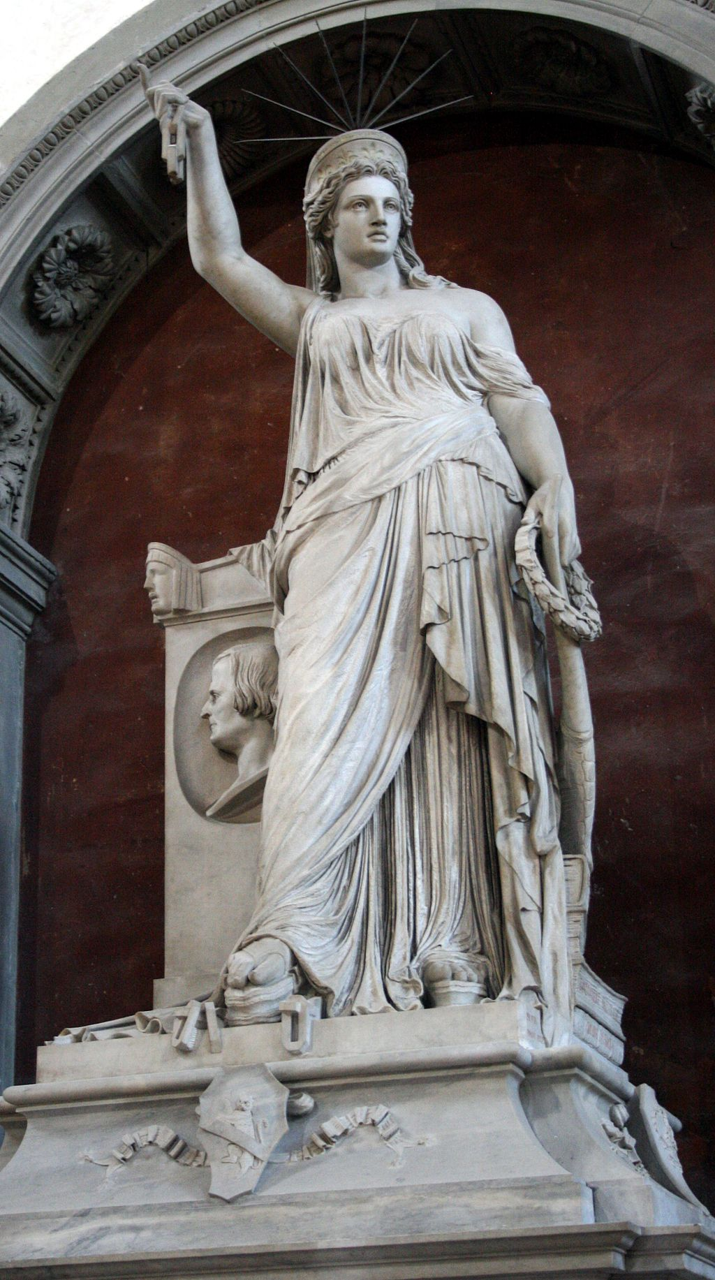 Statua della Libertà della Poesia di Pio Fedi, tomba Giovan Battista Niccolini, Santa Croce, Firenz