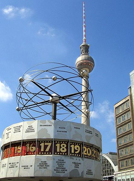 Datei: Fernsehturm Weltzeituhr Berlin.jpg