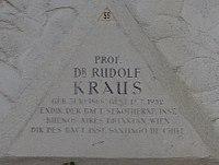 Feuerhalle Simmering - Arkadenhof (Abteilung ALI) - Rudolf Kraus 02.jpg