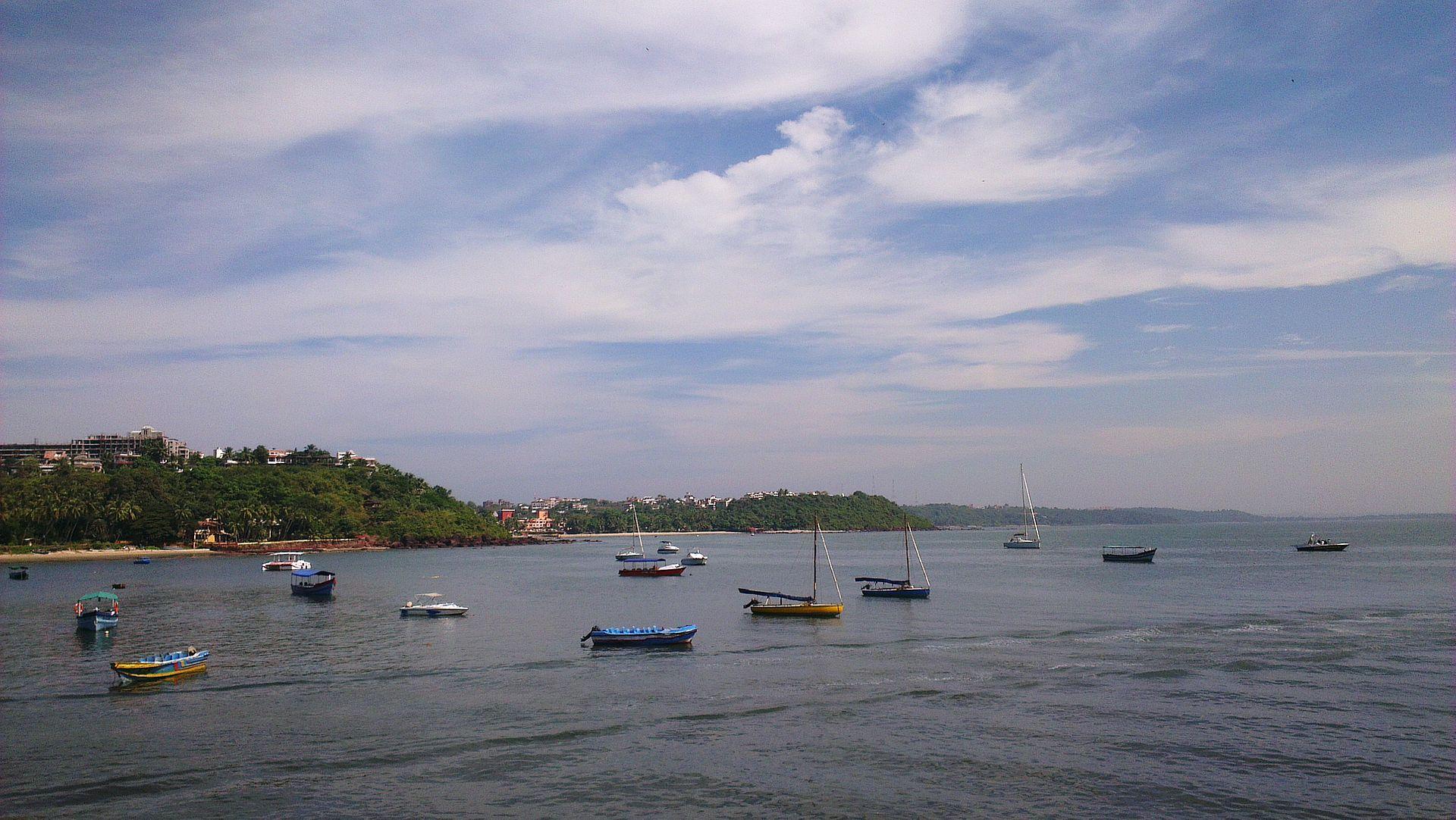 Dona Paula Beach Villas For Sale
