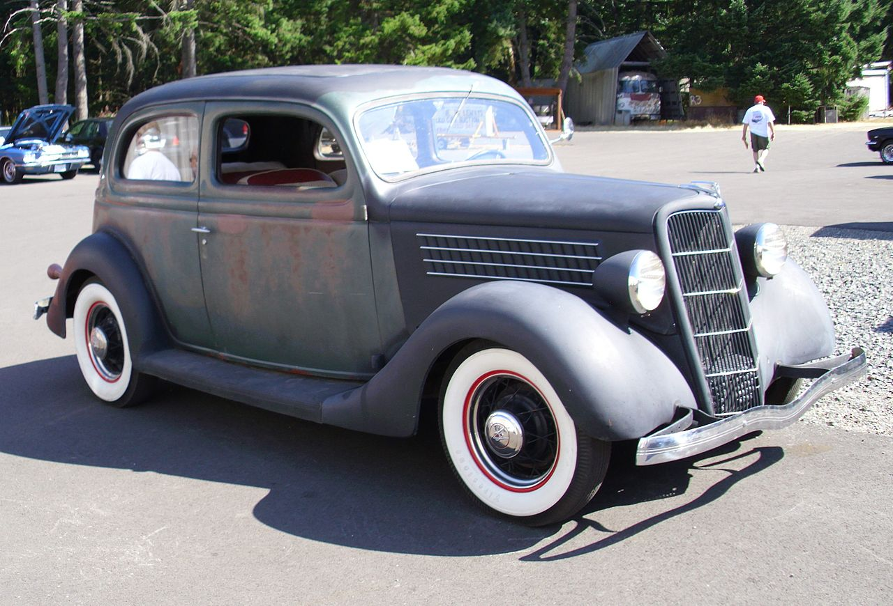 File flickr hugo90 1935 ford tudor for 1935 ford 4 door sedan