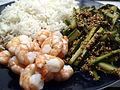 Flickr - cyclonebill - Tigerrejer med basmatiris og agurk med sesam og soya.jpg