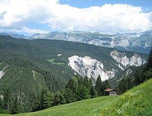 Flims rockslide - Flims lies behind the hill