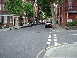 Flood Street - View along Flood Street at the junction with St Loo Avenue.