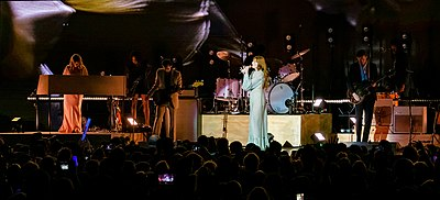 Picture of a band or musician: Florence + The Machine