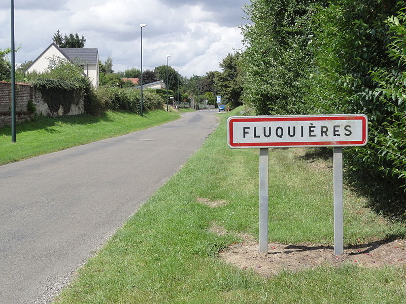 Fluquières (Aisne) city limit sign