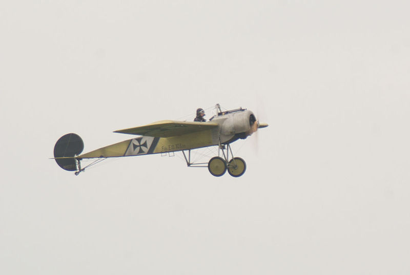 File:Fokker EIII Oblt Schildknecht Landing 02 Dawn Patrol NMUSAF 26Sept09 (14596607281).jpg