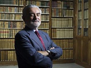 Darío Villanueva Spanish literary critic