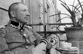 Franciszek Latinik - General Franciszek Ksawery Latinik after retiring at the balcony of his flat at Studencka Street in Kraków