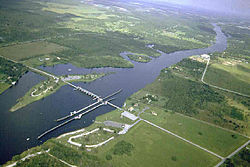Franklin Lock and Dam 01.jpg