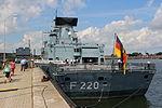Fregatte Hamburg, F220 (9412555104).jpg