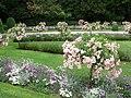 Gardens at Chateau Chenonceau (3725086538).jpg