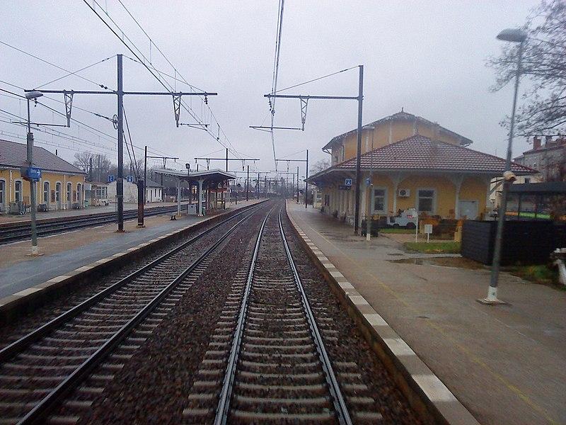 Vue depuis les voies de la gare d'Ambérieu-en-Bugey