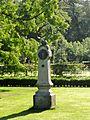 Gedenkzuil2 kasteel Staverden.jpg