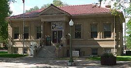 Goodland, Kansas Carnegie library from SSE 1.JPG