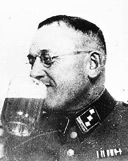 deutscher Polizeibeamter, verantwortlich für Massenmorde an Behinderten und Juden im Nationalsozialismus