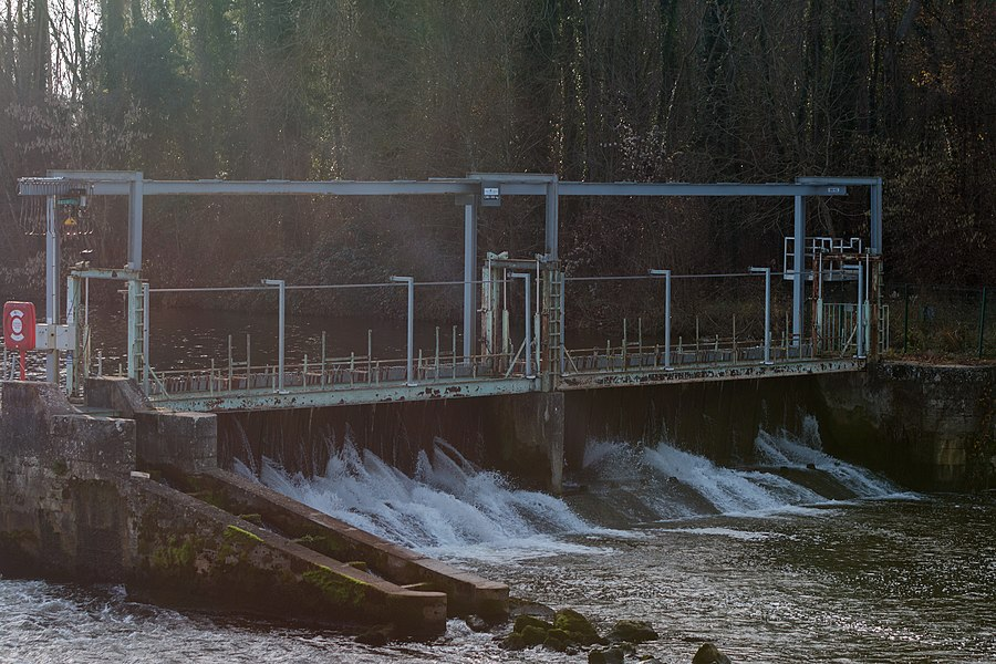 The salmon scale, built in 1886 to alleviate the disastrous consequences for the fishing of the construction of the dams of Gurgy for impoundment of the diversion of Gurgy.