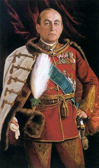 Gyula Gömbös - Gyula Gömbös in full regalia