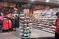 HK 灣仔 Wan Chai 莊士敦道 Johnston Road shop shoes clothing night February 2019 IX2.jpg