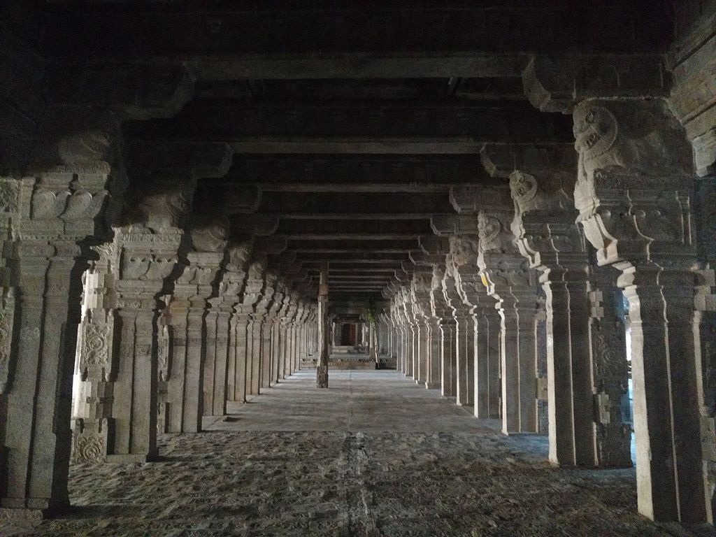 Hall of Thousand Pillars.. 2.jpg
