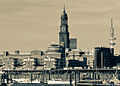 Hamburg, Überseebrücke, Verlagshaus Gruner & Jahr, Hauptkirche Sankt Michaelis und der Fernsehturm (12813915303).jpg