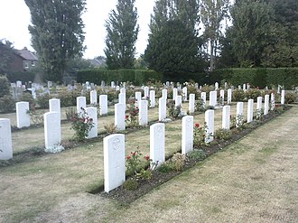 Hamilton Road Cemetery, Deal - Image: Hamilton Road Cemetery Commonwealth War Graves