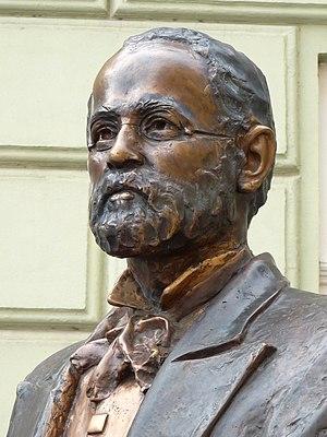 Pál Harrer - Statue of Pál Harrer (detail)