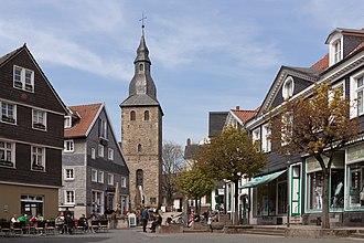 Hattingen - Image: Hattingen, der Glockenturm in straatzicht Dm A137 foto 4 2015 04 19 13.10