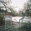 Hekwerk, het diepe bad met tribune op de achtergrond - Groningen - 20413459 - RCE.jpg