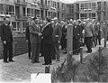 Hofje Gerrit de Koker opnieuw in gebruik genomen Minister HBJ Witte neemt , Bestanddeelnr 905-7331.jpg