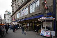 Holborn Tube Station - April 2006.jpg