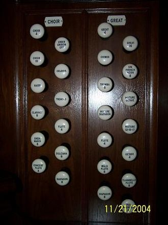 Glossary of musical terminology - On these organ stops, some of the knobs have numbers indicating the length in feet of the longest (the lowest note) organ pipe of the stop