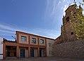 Hontecillas, Ayuntamiento e iglesia.jpg