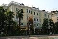 Hotel Trieste & Victoria ad Abano Terme, veduta di tre quarti.jpg