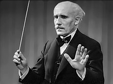 Hymn of the Nations 1944 OWI film (03 Arturo Toscanini conducting Verdi's La Forza del Destino 03).jpg