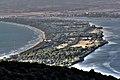 Il Tombolo della Giannella che separa la Laguna di Ponente dal mare aperto.jpg