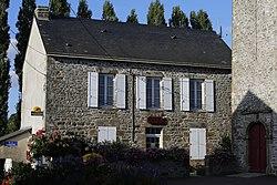 Izé - Mairie.JPG