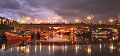 Jembatan di muaro Padang.jpg
