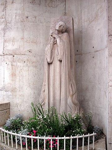 Памятник у места казни Жанны (Максим Реаль дель Сарт, 1928)
