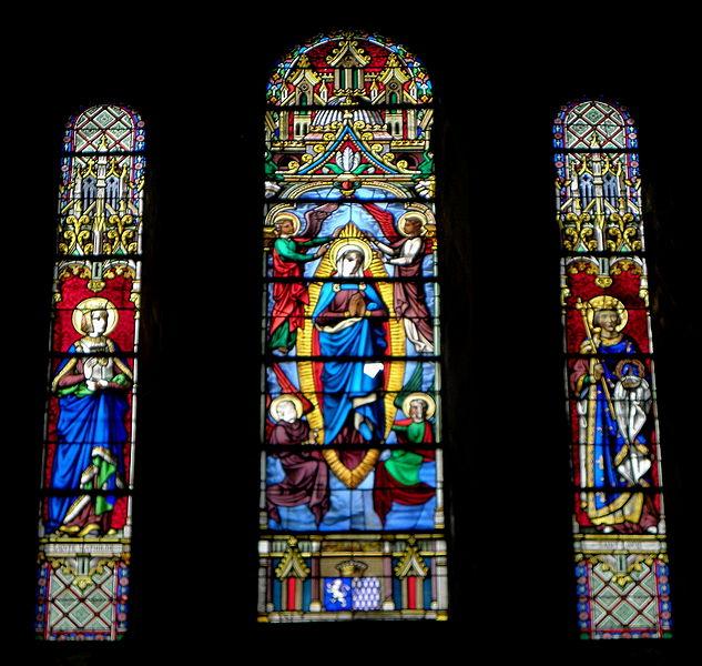 Vitrail de l'église Saint-Martin de Juvigné (53). Sainte-Isabelle-de-France?, Assomption, Saint-Louis.