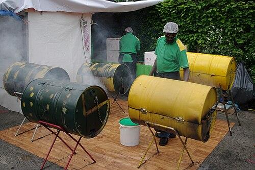 Karnelval der kulturen vier steeldrums zwei bediener 22.05.2010 17-02-27