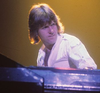 Keith Emerson performing at a WPLR Show