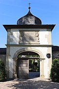 Kitzingen CemeteryGate.jpg